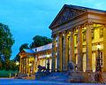 Schloss Rosenstein zur blauen Stunde - Westfassade.jpg