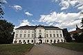 Schloss Vizovice (26855789789).jpg