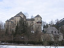 Schloss fischhorn front.jpg