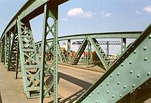 سازه فولادی - ویکیپدیا، دانشنامهٔ آزادسازه فولادی