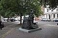 Sculpture - Thomas Cubitt - geograph.org.uk - 990825.jpg