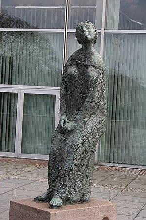 Gustav Seitz - Image: Sculpture Gustav Seitz in Kiel