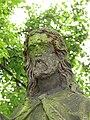 Siřejovice, hlava sochy s ruměnicemi.JPG
