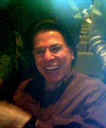 http://upload.wikimedia.org/wikipedia/commons/thumb/0/09/Silviosantos.jpg/220px-Silviosantos.jpg