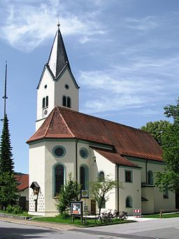 This is a photograph of an architectural monument.It is on the list of cultural monuments of Bayern, no. D-1-90-153-1