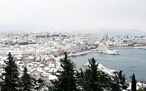 Snow in Split - cloudy