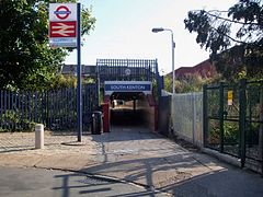South Kenton stn west entrance.JPG