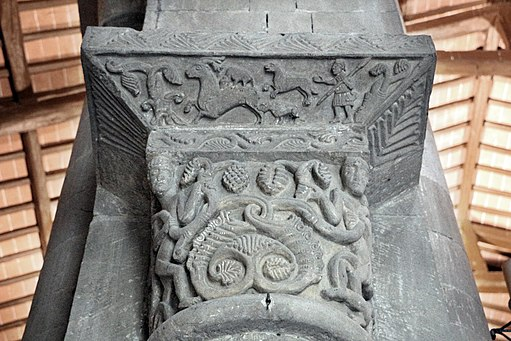 Sovicille, pieve di ponte allo spino, interno, capitelli della fine del XII secolo 03 vendemmia