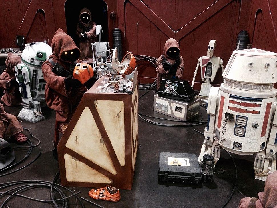 Star Wars Celebration 2015 - Jawas & Droids (17833161638)