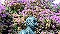 Statue (31811692428).jpg