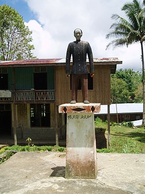 Eskaya people - Statue of Mariano Datahan outside the Eskaya cultural school, Taytay