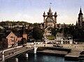 Stockholmsutställningen 1897. Vy från Strandvägen mot utställningen med Djurgårdsbron i förgrunden - Nordiska Museet - NMA.0034499.jpg