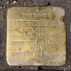 Photo of Grete Rosenzweig brass plaque