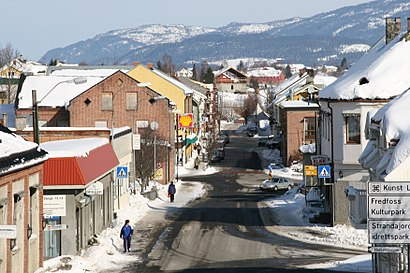 How to get to Vestfossen with public transit - About the place
