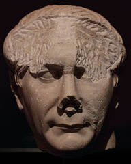Tête de Trajan Ra 58 c