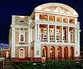 Teatro Amazonas em Manaus à noite.jpg