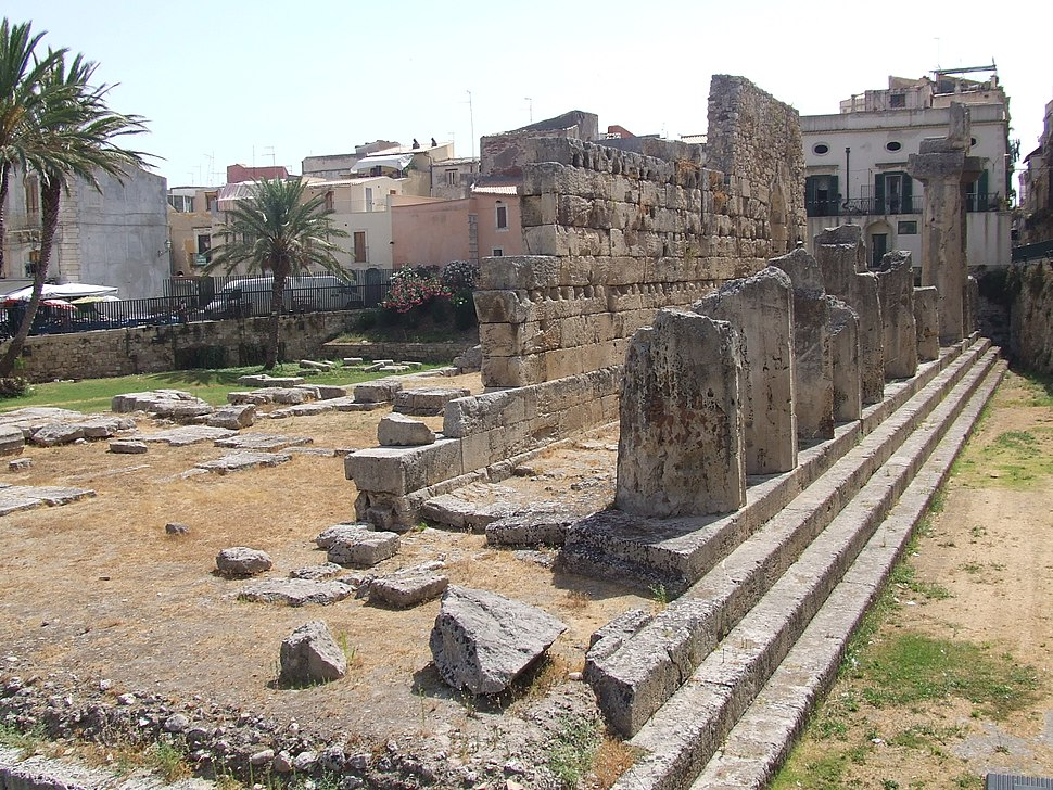 Temple of Apollo, Syracuse, Sicily.JPG