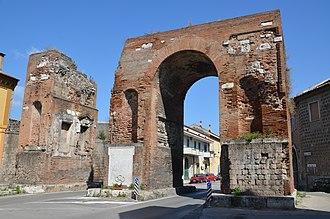 Arch of Hadrian (Capua) - Arch of Hadrian in ancient Capua.