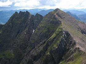 The Central Ridge of An Teallach - geograph.org.uk - 66461.jpg