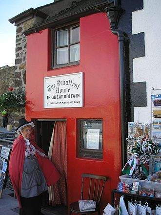 Conwy - The smallest house in Britain.