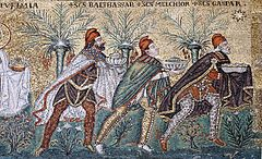 https://upload.wikimedia.org/wikipedia/commons/thumb/0/09/Three_Magi_mosaic_-_Sant%27Apollinare_Nuovo_-_Ravenna_2016.jpg/240px-Three_Magi_mosaic_-_Sant%27Apollinare_Nuovo_-_Ravenna_2016.jpg