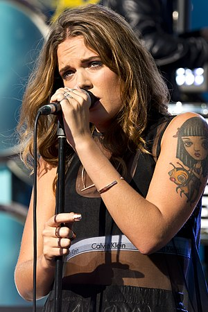 "Habits (Stay High) - Tove Lo performing ""Habits (Stay High)"" during the Swedish Sommarkrysset television program in 2014."