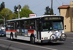 TriMet 1990 Gillig bus carrying bike