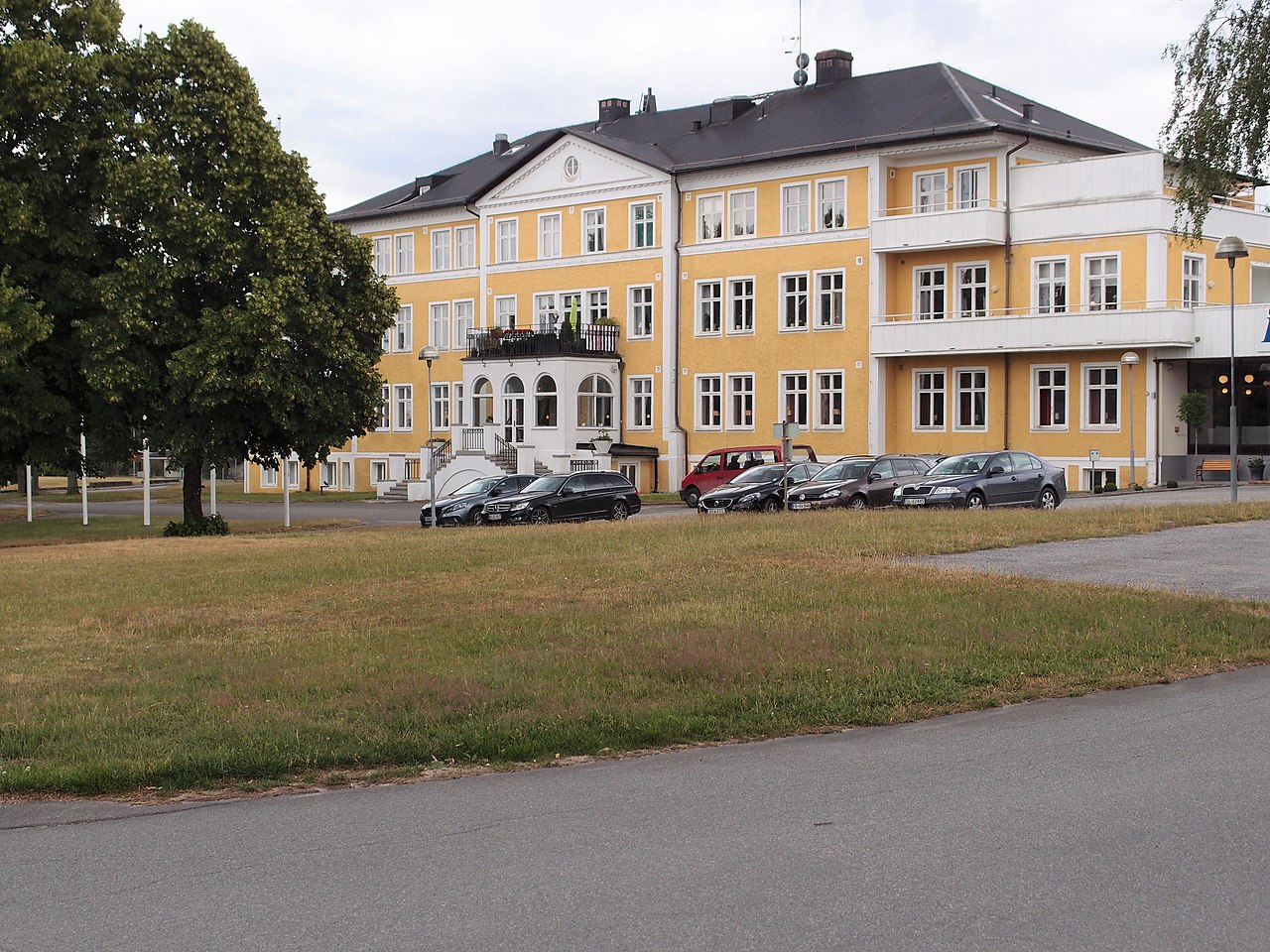 Lina Bloom, Bjrklunda i Tyringe blev - Bjrkbackens