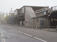 U2 Nollendorfplatz looking W from end in fog.jpg