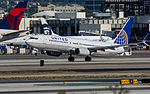 United Airlines Boeing 737 at LAX (22314621463).jpg