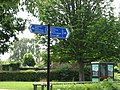 Unusually precise signpost - geograph.org.uk - 863578.jpg