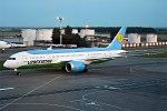 Uzbekistan Airways, UK78702, Boeing 787-8 Dreamliner (36393213104).jpg