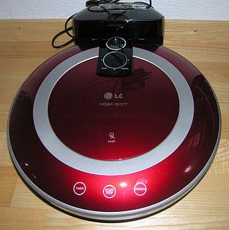 LG G3 - The laser autofocus system uses a component originally designed for LG robotic vacuums.