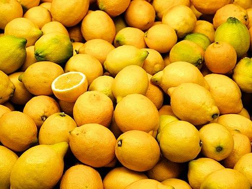 Valencia market - lemons