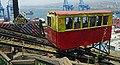 Valparaiso Acensor fahrende Baracke.jpg