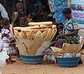 Vendeuse de pain à Soubré 02.JPG