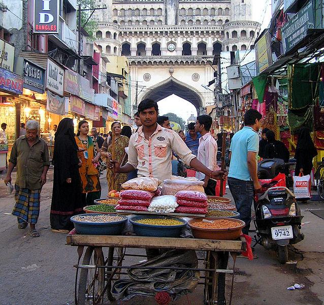 File:Vendor Laad Bazaar.jpg