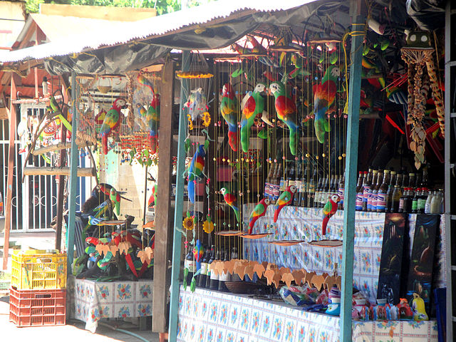 Artesanías, miel y ají Mercado Indígena de Puerto Ayacucho - Venezuela