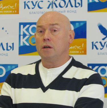 https://upload.wikimedia.org/wikipedia/commons/thumb/0/09/Viktor_Sukhorukov.jpg/375px-Viktor_Sukhorukov.jpg