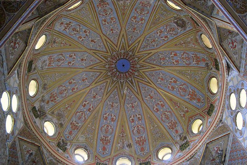 Vladikavkaz.052.Mukhtarov (Sunni) Mosque (1908).Dome.Interior.jpg
