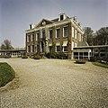 Vooraanzicht van Huize der Boede gezien vanaf de oprit - Koudekerke - 20420221 - RCE.jpg