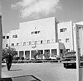 Voorkant van het gebouw van de Jewish Agency in Jeruzalem, Bestanddeelnr 255-2249.jpg