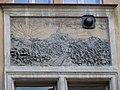 Vršovice, Krymská 74, reliéf - Říp.jpg