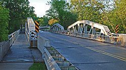 Waltz Road-Huron River Bridge New Boston MI.jpg