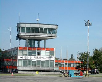 Warsaw Chopin Airport - The 1960s terminal buildings at Warsaw's Chopin airport in 2003 (since demolished)