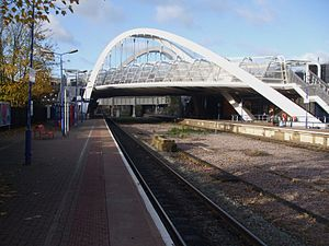 Wembley Stadium railway station - Station with White Horse Bridge above