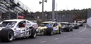 Open-wheel car - Image: Whelen Modifieds October 2006 (cropped)