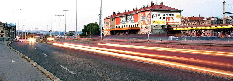 File:Wilsonowa street at evening in Praha - panoramio.jpg