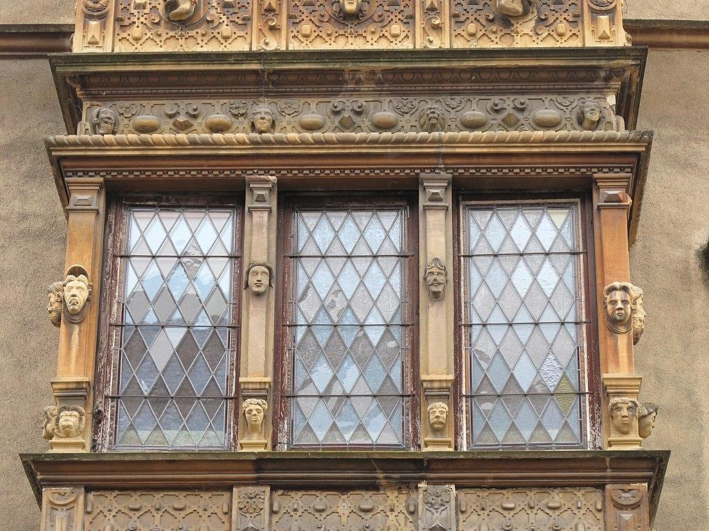 File window of the maison des t wikimedia commons for Verre pour fenetre