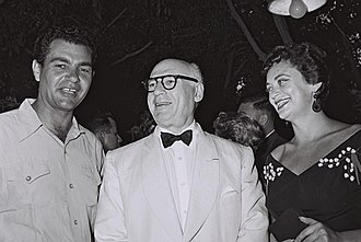 Hanna Maron - Hanna Maron (right) with Yossi Yadin (left) and Sol Hurok (middle), 1954